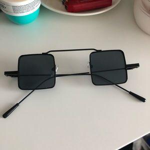 Accessories - BLACK MINI SQUARE SUNGLASSES